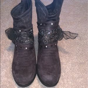 Cute detailed booties. Size 10 never worn